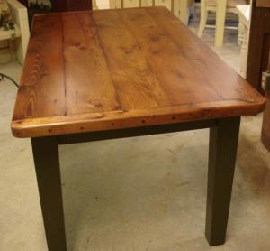 Как сделать стол из дерева