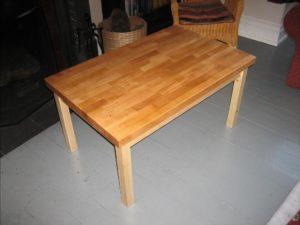 kak-sdelat-zhurnalnyj-stolik-svoimi-rukami-4