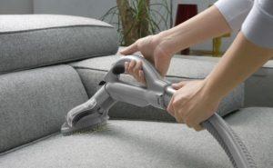почистить обивку дивана