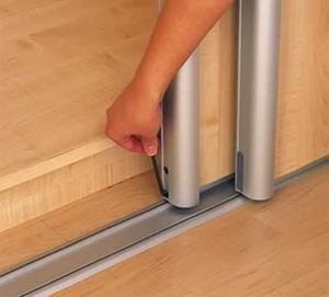 ролики на двери шкафа-купе