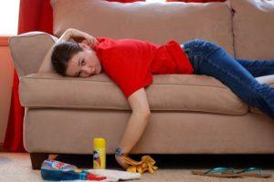 вывести запах мочи с дивана