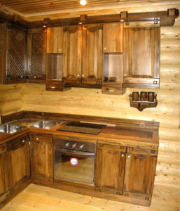кухонный гарнитур из дерева