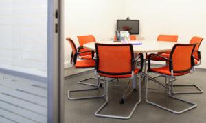 Особенности стульев для посетителей